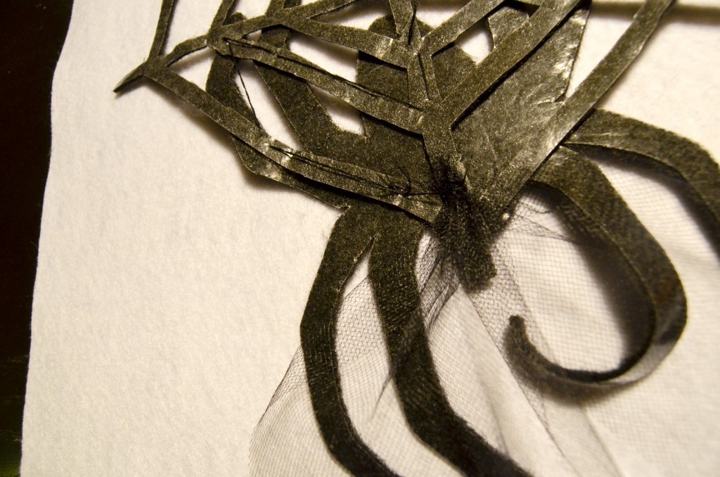 attach the tulle to the spider