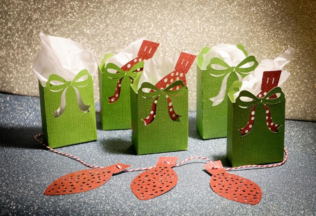 Twelve Days of Christmas Gift Bags and Garland