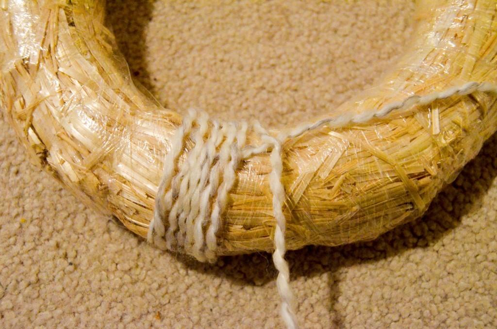 beginning of yarn wreath