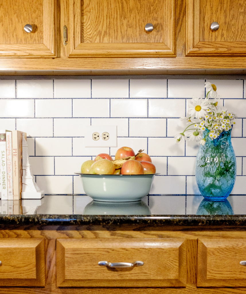 - Subway Tile Backsplash With Stainmaster Glamour Grout - Albion Gould