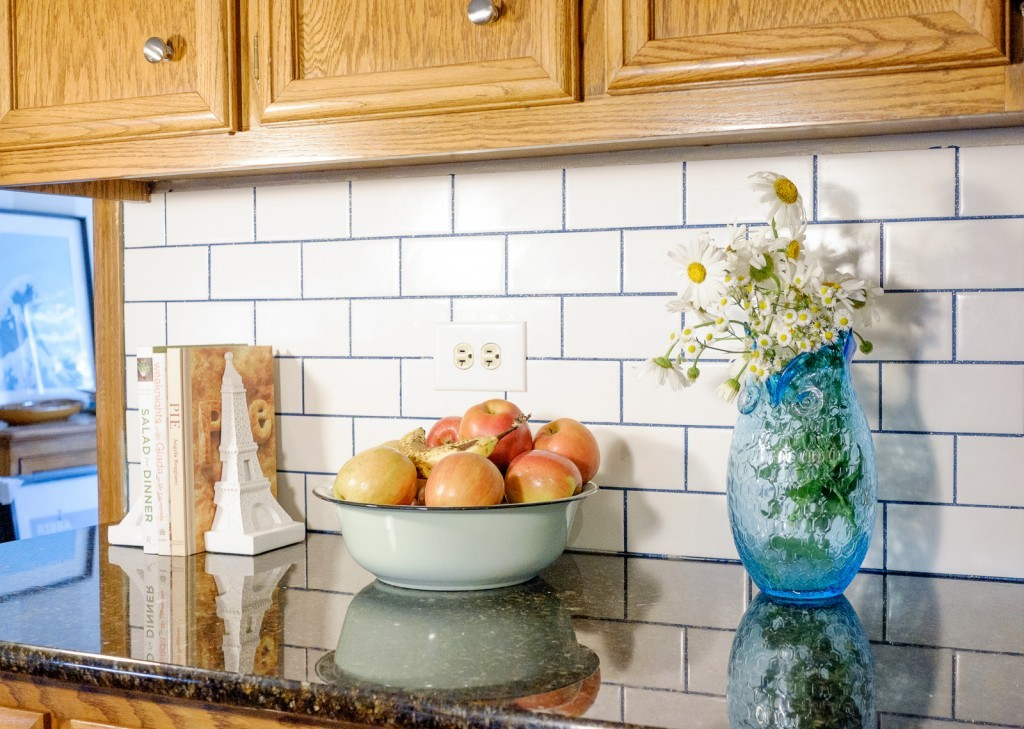 Subway Tile Backsplash with Stainmaster Glamour Grout