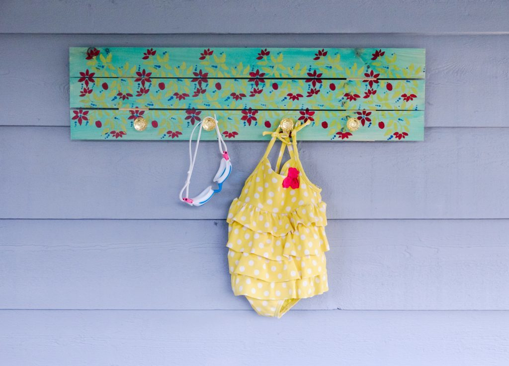 Hawaiian Inspired Pallet Hanging