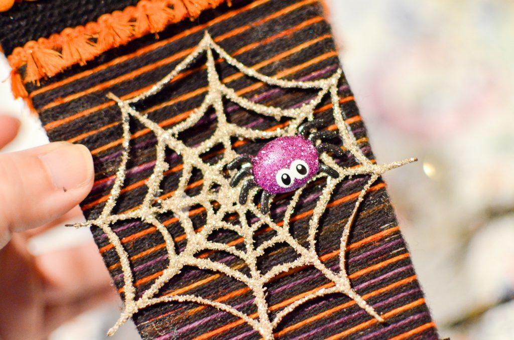 attach the spider