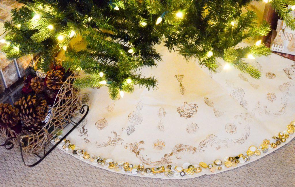 Vintage French Inspired Christmas Tree Skirt