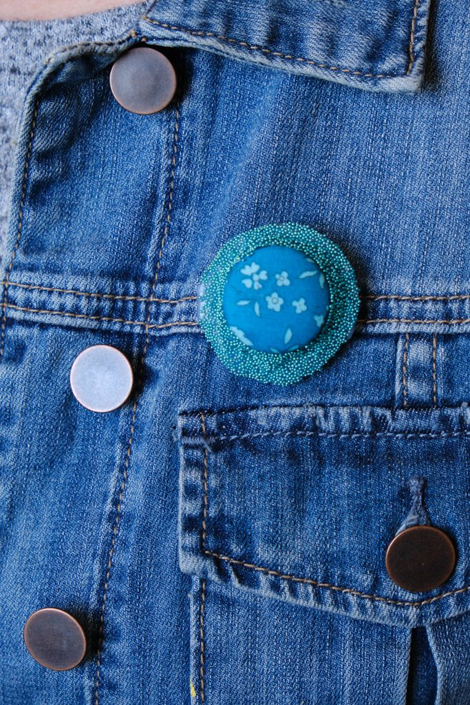 Fifteen Minute Hot Glue Button Brooch