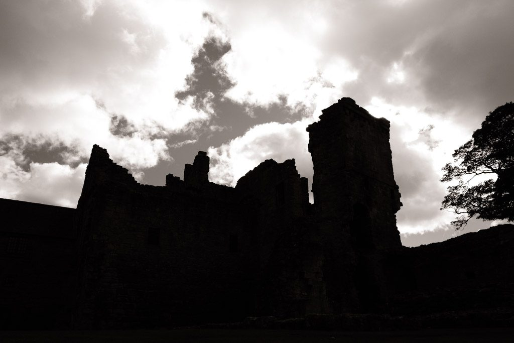 A Day at Aberdour Castle